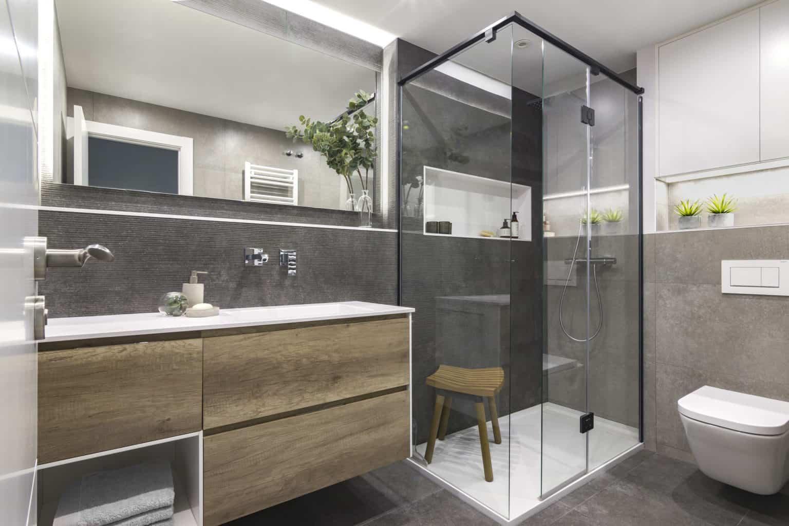 reformas de baños en barcelona, encainteriors