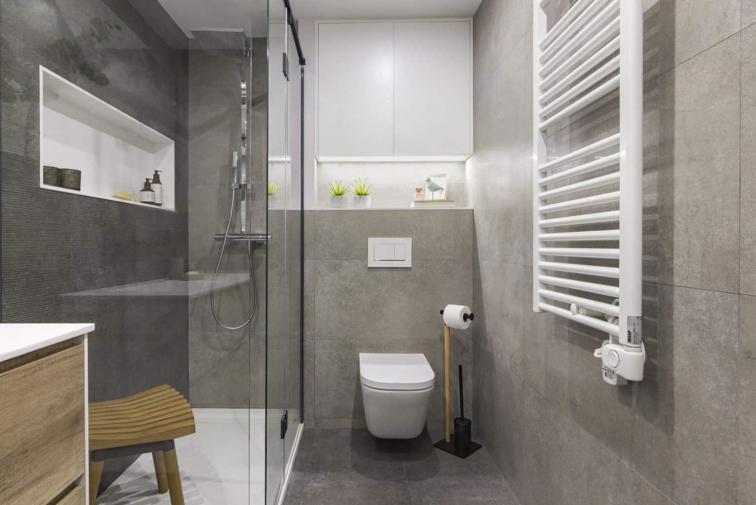 reformes de banys a barcelona, encainteriors
